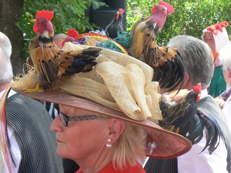 Göcklingen trägt Huhn, ach nein Hut!